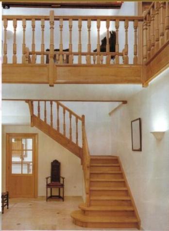 artisan et le ch ne escalier en ch ne. Black Bedroom Furniture Sets. Home Design Ideas